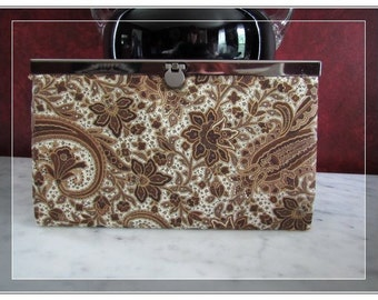 Diva brown pasily wallet- FREE SHIPPING clutch wallet diva frame