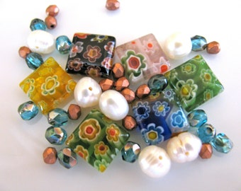 Group of glass beads and Pearls, 39 beads, flower glass - 58