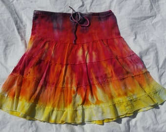Women's Medium boho tie dye skirt, size M, tie dye skirt, tie dye hippy skirt, tie dye dress, red orange gray tie dye, festival dress, boho