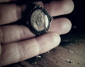 Vintage style ring / Resin ring / Adjustable ring