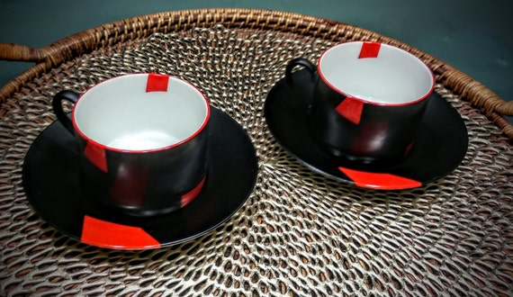 taitu cups saucers 2 san marco italy rare vintage red and. Black Bedroom Furniture Sets. Home Design Ideas
