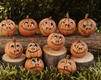 Halloween. Miniature pumpkin. Dollhouse witches . Pumpkin Eye for witch house. scale 1/12