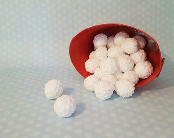 Family Game Indoor Snowball Fight - Yankee Swap  Gift - Childrens Games - Family - Party Games - Christmas - Secret Santa Gift - Snowball