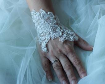 Wedding ivory lace bracelet