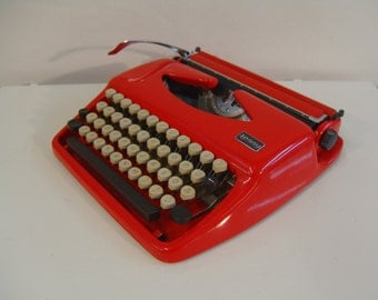 Glossy Orange Tessy Portable Typewriter Qwerty Keyboard In Great Condition New Ribbon Working Tippa Triumph