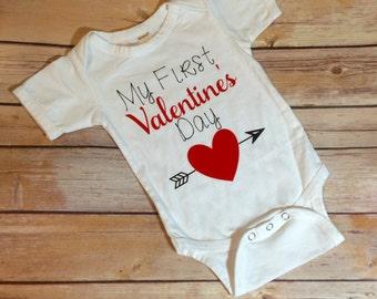 Valentines Day Bodysuit, Valentines Shirt, Babys first Valentines Day outfit, Valentine Top, baby valentines, valentines outfit