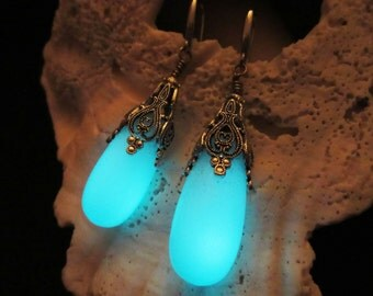 Earrings Glow in the dark