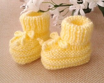 Yellow Baby Booties, Hand Knitted Baby Booties, Yellow Crib Shoes, Baby Shower Gift, Pregnancy Reveal Booties, Newborn Booties, Baby Clothes