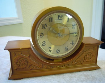 Vesna clock from the 1980's/Clock made in Soviet Union USSR/Mechanical clock in running condition/Clock collectors