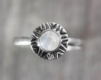 SUN ring / Moonstone / Sterling Silver