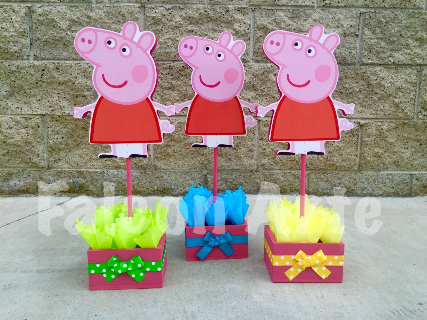 Peppa pig centerpiece wood handcrafted for 1st 2nd 3rd 4th 5th for Pig decorations for home