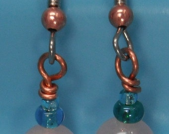 Frozen inspired playful earrings with rose quartz and tropical blue seed beads on copper wire