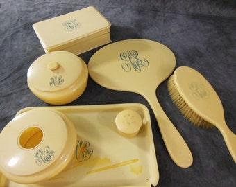 10 Piece Merita Dresser Vanity Set, French Ivory