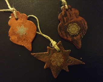 Textured Red Earthenware Ornaments with Metallic Snowflake