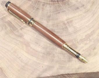 Classic (and Classy!) Wood Fountain Pen