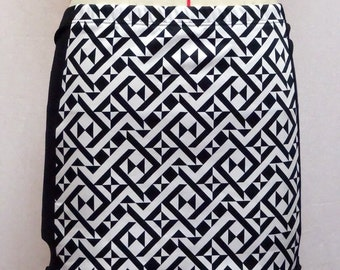 mini skirt stretch black and white geometric pattern
