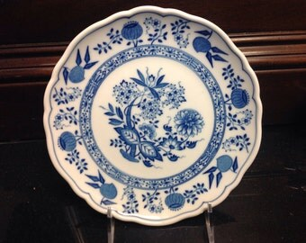 """Lorenz Hutschenreuther Blue Onion Plate , Vintage 1968, 8"""""""