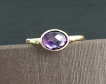14k solid yellow gold and purple amethyst ring, oval stone, checkerboard cut