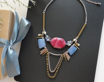 Pink Freya necklace/ statement necklace/ trendy jewelry/ statement jewelry/ necklace stone/ spike jewelry/ statement trendy accessory
