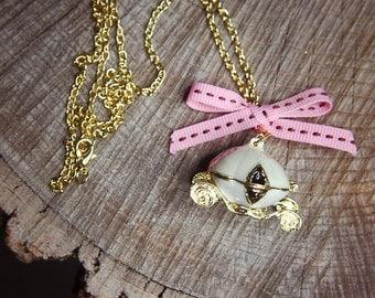 Carriage Necklace ~1 pieces #100441