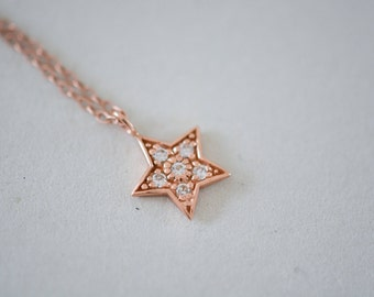 Dainty rose gold vermeil necklace with star pendant