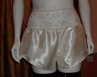 Plus Size Satin and Lace French Knickers/Panties Size XL (26/28)