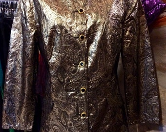 1980's gold material paisley jacket, shoulder pads. Size S.