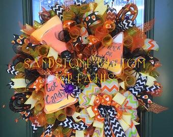 Candy Corn, Candy Corn Wreath, Halloween wreath, Halloween Decoration, Candy Corn Halloween, Deco Mesh, Trick or Treat,  Witch Wreath