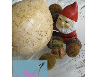 Needle felted acorns and  gourd / set of5 acorns and decoupage gourd / decor for fall and winter