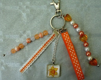 Bag or Keychain Daffodil embroidered cabochon