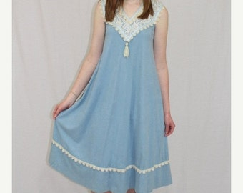 On Sale Vintage 70s Young Edwardian ARPEJA Blue LACE Tassel Midi Boho Shift Dress S