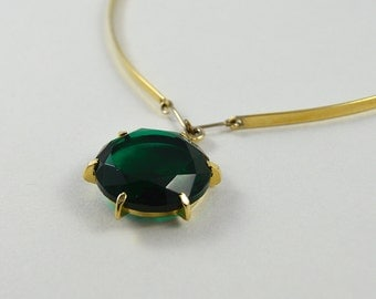 Vintage Emerald Green Glass Facet Necklace