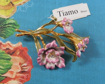 Vintage Tiamo Pink and White Enamel Flower Brooch