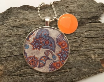 Resin pendant with charm. Resin necklace, Resin jewellery, Fashion Jewellery