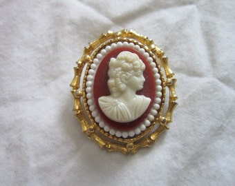Vintage Victorian Style Goldtone  Cameo Brooch