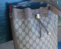 SALE! Gucci vintage bucket bag