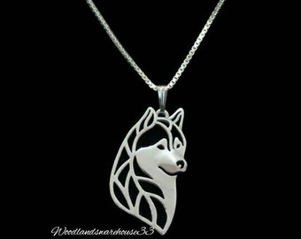 Gorgeous Silver Colour Siberian Husky Dog Necklace. Malmute. Silver Colour Chain Necklace