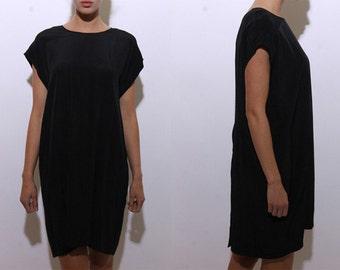 80s boxy black minimalist dress midi lbd plain basic simple timeless shift tunic short sleeves dolman cap versatile oversized plus size L XL