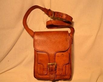 Vintage 1970's Beige Leather Handbag - Shoulder Bag