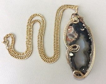 Gold Tone Wire Wrap Agate Geode Slice Pendant Chain Necklace