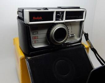 A Vintage Kodak Instamatic 200 Camera ,With Case and original box, Collectable, retro and cool thing to have.