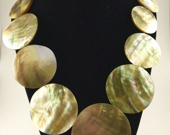 Mother of Pearl Necklace with Earrings.
