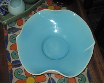 Caliente Haldeman Stunning Mid Century Blue on White Ceramic Dish, Console Dish, Planter