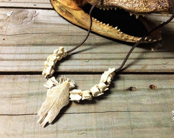 SUPPLIE:Fish Skull with Snake Vertebrae Necklace,Bones Jewelry/Real Snake Bone Jewelry/Spine Jewelry /leather necklace.{B2-47#00227}