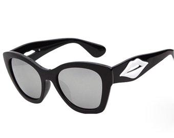 Black & White Sunglasses - Lips Collection.
