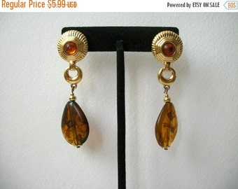 ON SALE Vintage Shades Of Gold Like Amber Plastic Dangle Earrings 1095