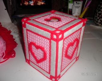 Valentine Tissue Cover