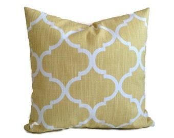 Sunshine Yellow White Fall Decor Throw Pillow Cushion Cover Decorative French Country Quatrefoil Lattice Pillow 16X16 18X18 20X20 Lumbar