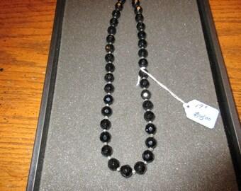 Sparkling black necklace
