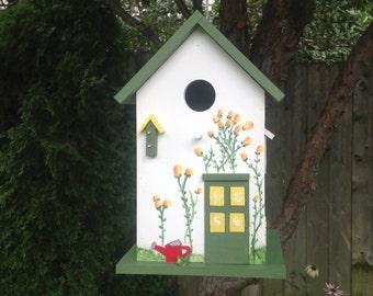 Summer Cottage Birdhouse